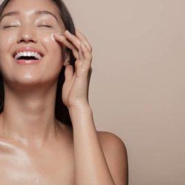Pele de vidro: É possível reduzir o tamanho dos poros da pele e hidratar ricamente?